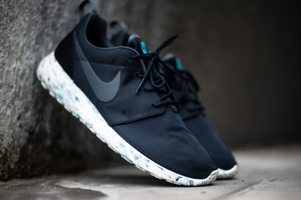 super popular 35e5a 0681b Acheter Nike Roshe Run Homme Oct1861