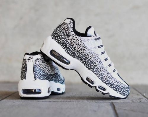 competitive price 213bc 8b028 Nike Air Max 95 Femme NA09008