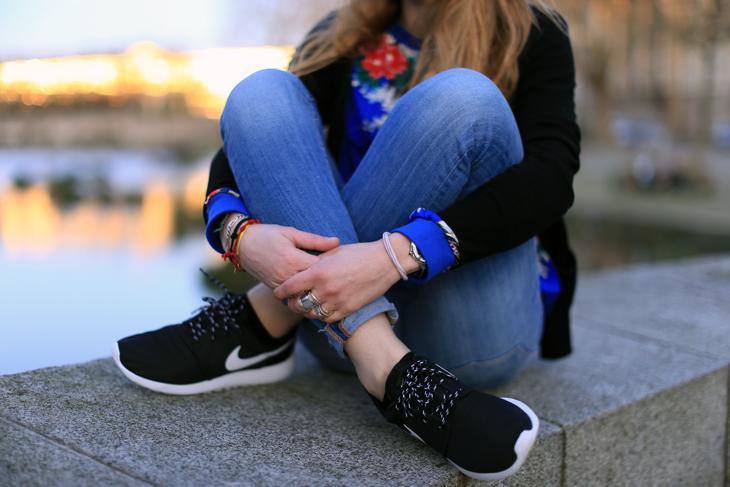 best loved 7f181 943bd Chaussures Nike Roshe Run Femme Porté Vente JAR840